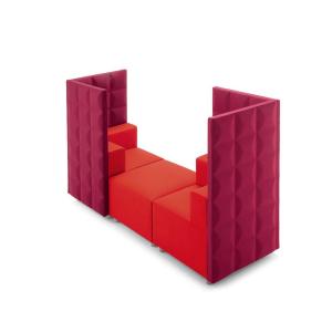 divano rosso con divisori